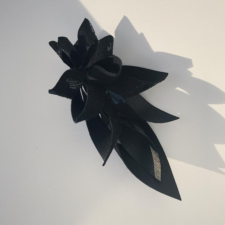 The Bird – black bling